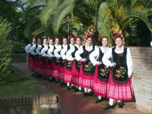 f03871a83 Trajes regionales españoles. Folklore popular de España. Tradiciones  españolas.