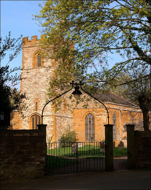 Weedon church by Baz Richardson on Flickr