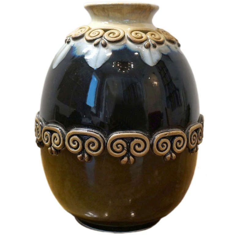 Spanish Vase With Espiral Applique