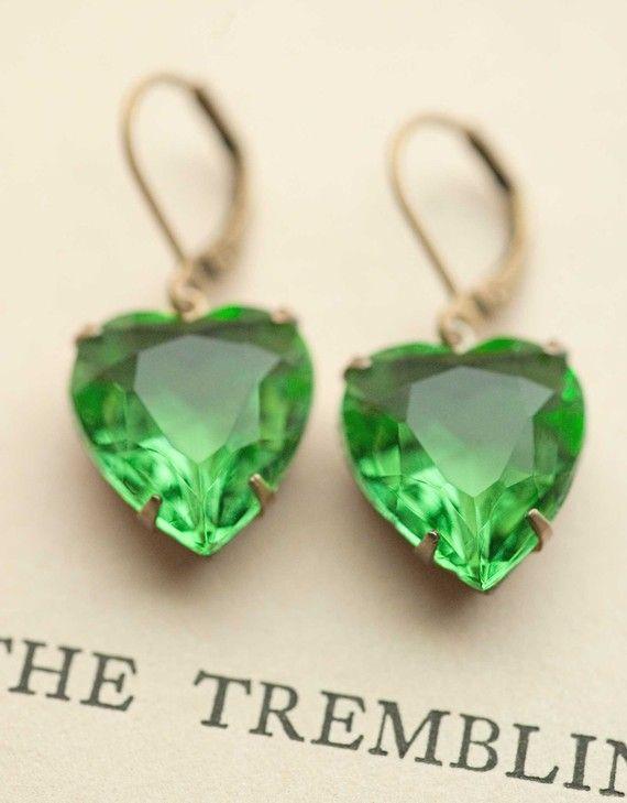 Vintage Emerald Green Heart Earrings Jewelry