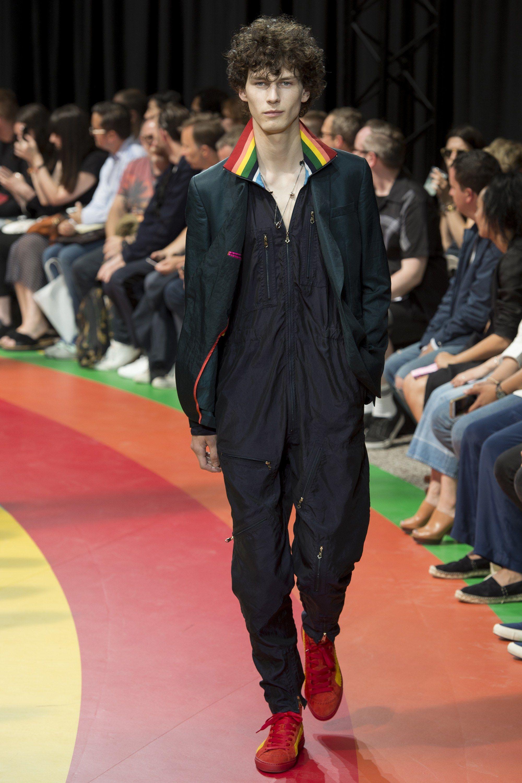 Paul Smith Spring 2017 Menswear Fashion Show