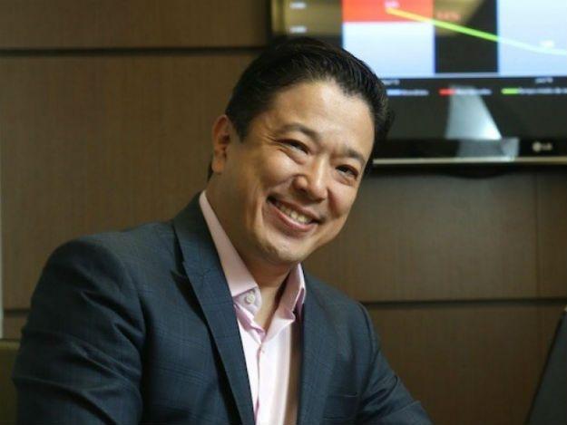 Rakuten nomeia René Abe como novo CEO para o Brasil confira mais em http://www.publicidadecampinas.com.br/rakuten-nomeia-rene-abe-como-novo-ceo-para-o-brasil/.      A empresa japonesa Rakuten Inc., especializada em plataformas de e-commerce, anunciou nesta segunda-feira (11/07) a nomeação de René Abe como novo presidente e CEO da Rakuten Brasil. O executivo assumirá o posto no dia 1° de agosto de 2016, em substituição a Ken Okamoto que vai assumir um novo  |