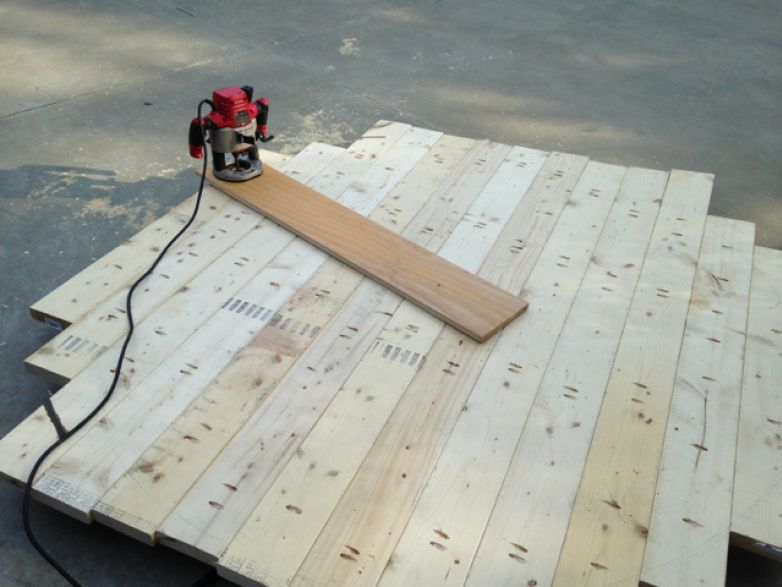 How To Cut Circular Table With A Router.