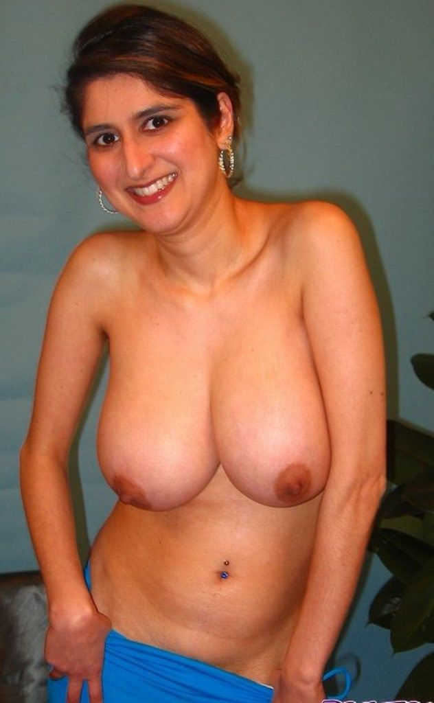 Topless amateur milf