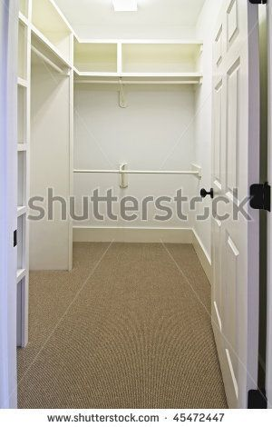 9 X 4 Walk In Closet With Bathroom | Large Empty Walk In Closet With Carpet