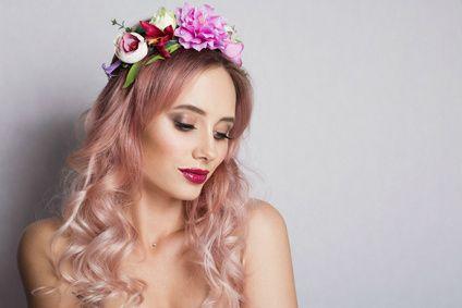 Coiffures De Mariages Fetes Ou Ceremonies Viadom Cheveux Or Rose Coiffure Mariage Cheveux D Or
