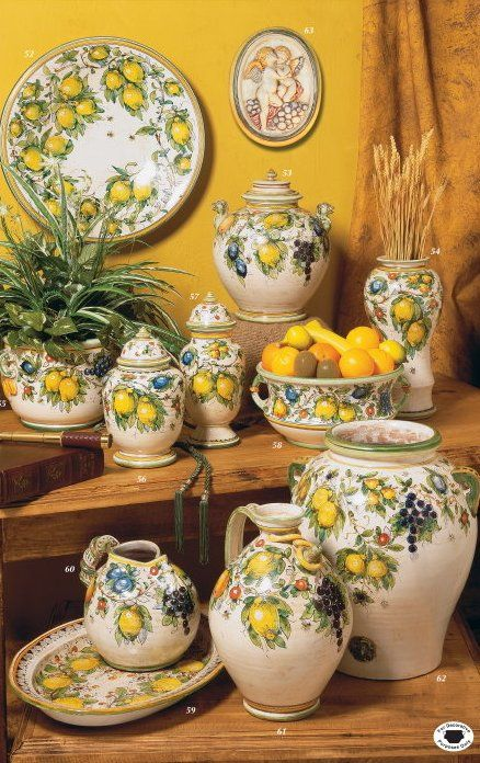 gorgeous italian pottery pieces with lemons gebrauchs keramik pinterest zitrone haus deko. Black Bedroom Furniture Sets. Home Design Ideas