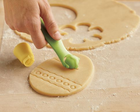 Easter Stamp & Style Cookie Cutters  (oh! I want these!!)