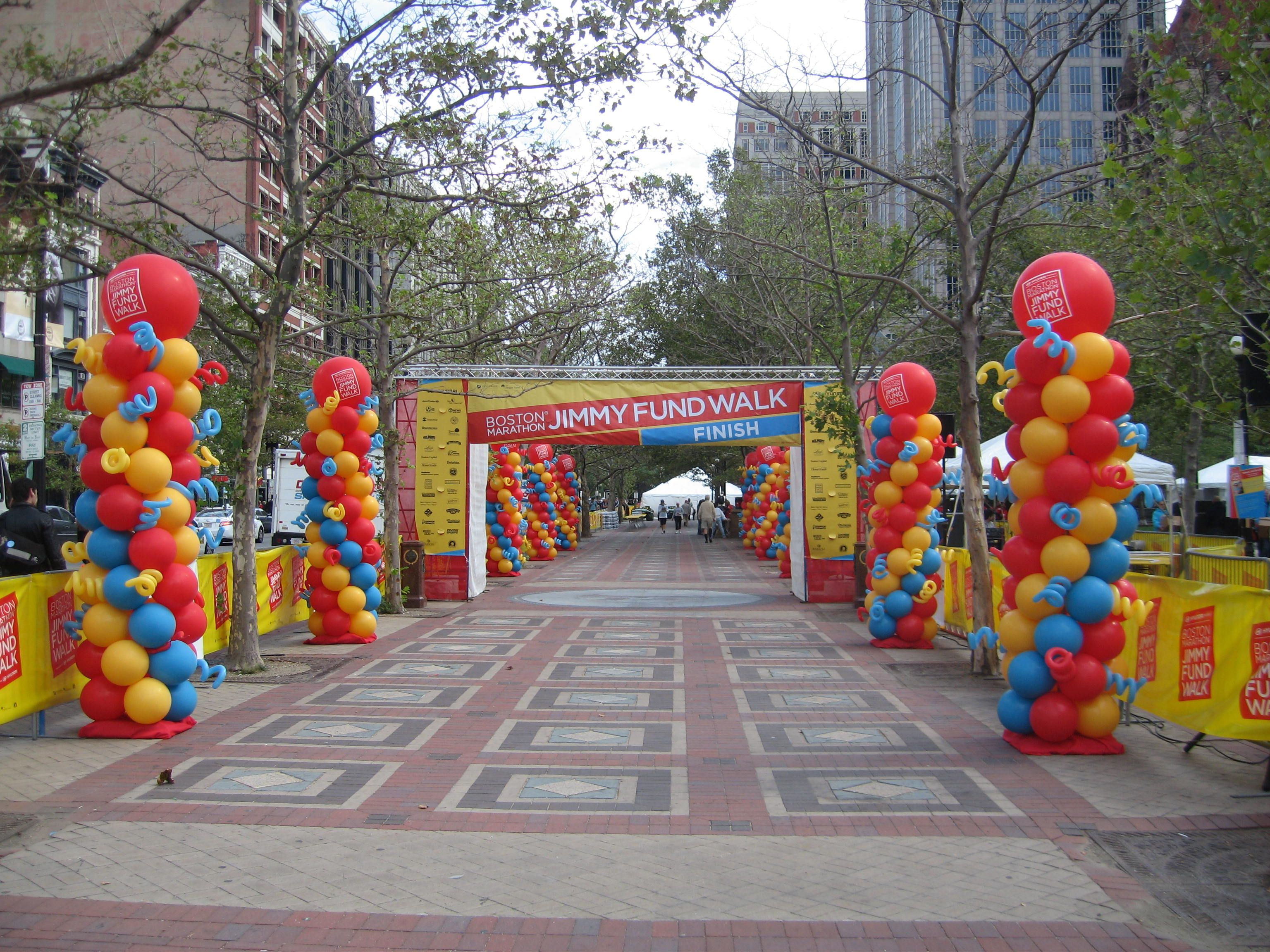Outdoor Balloon Columns