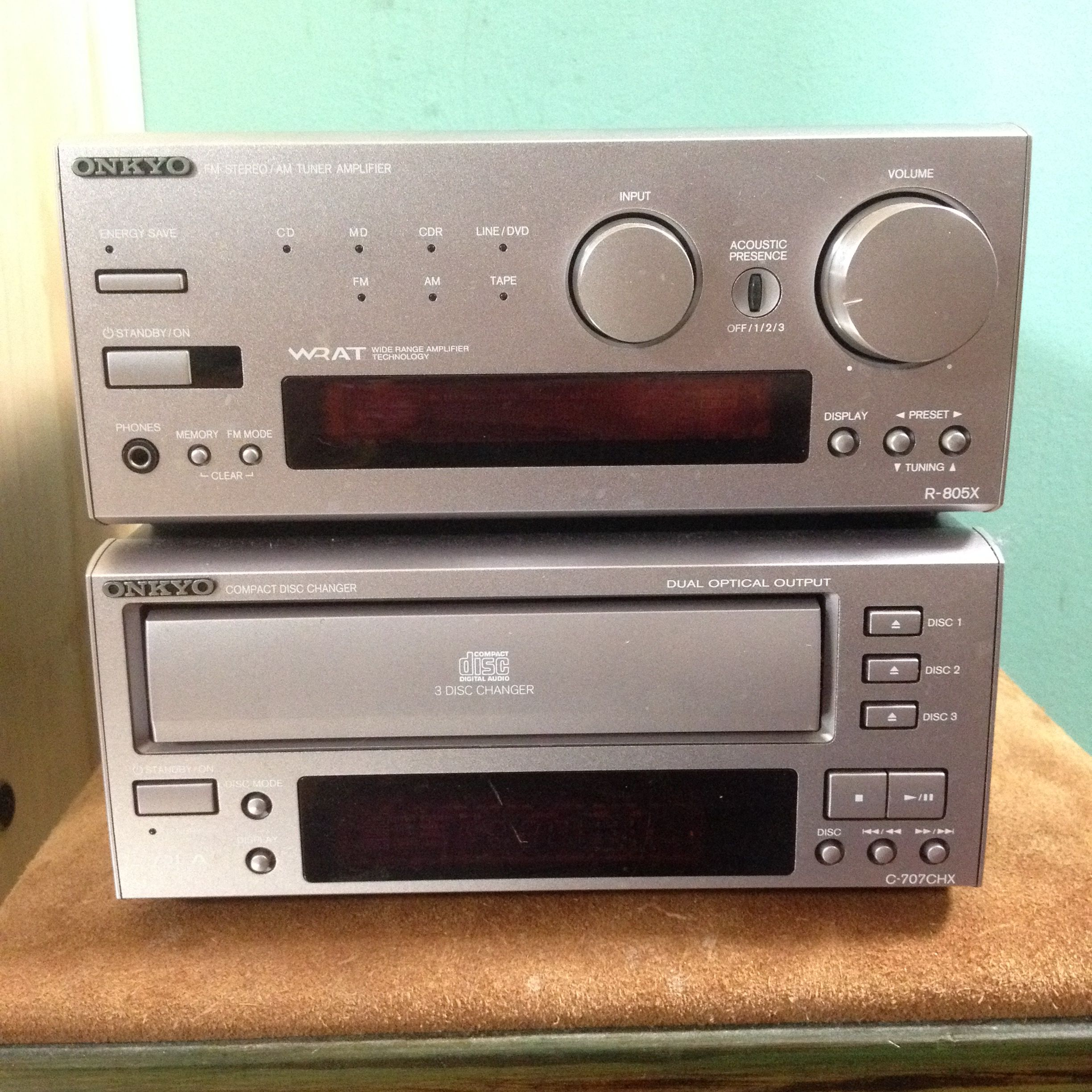 Offerup  Onkyo R-805X Stereo Receiver with speakers and a