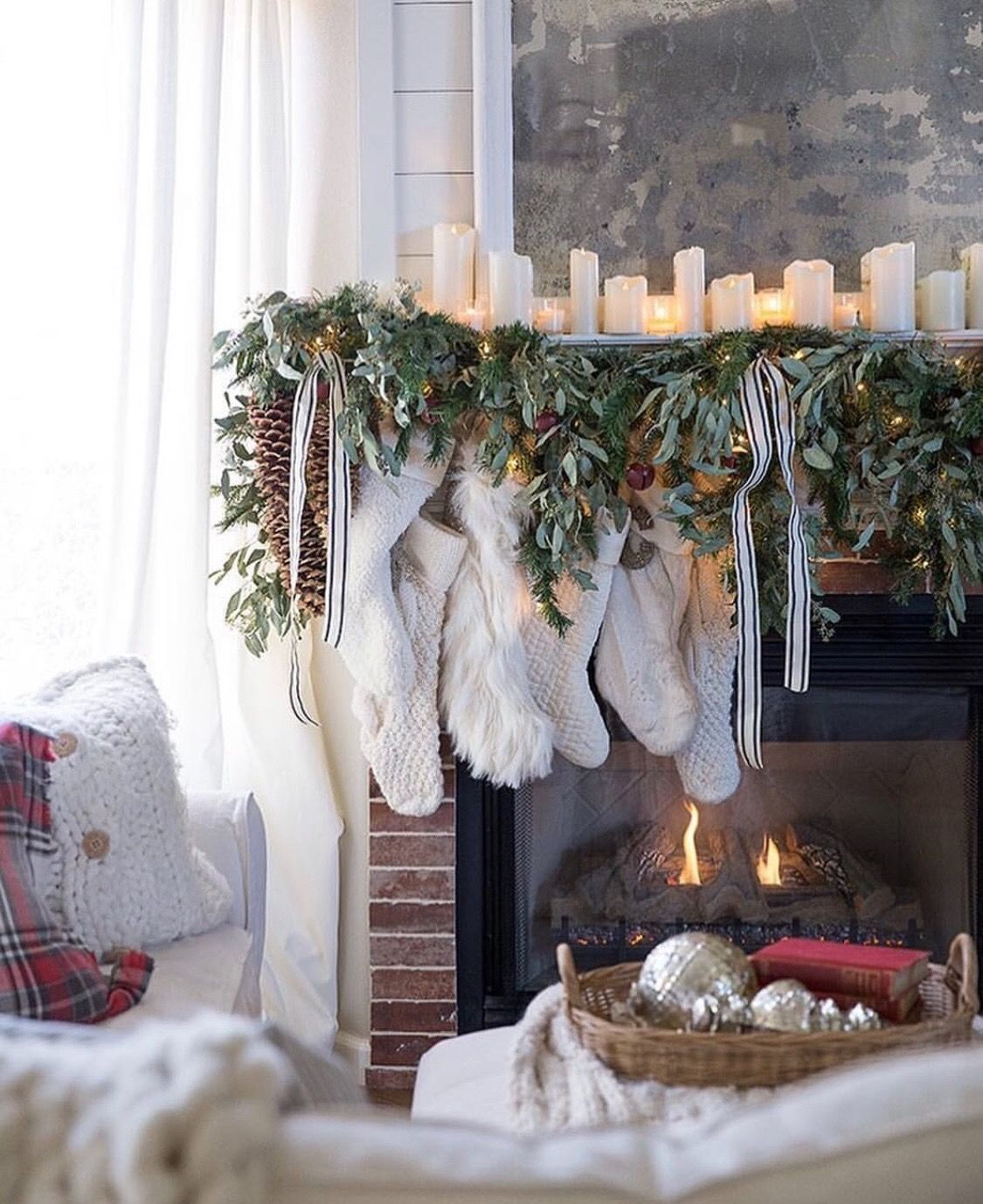Love greenery & candles on mantle | Holiday mantel ...