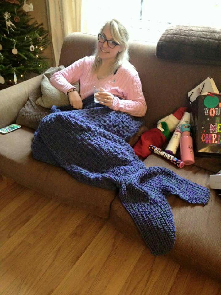 Pleased with the mermaid fish tail blanket I knitted for ...
