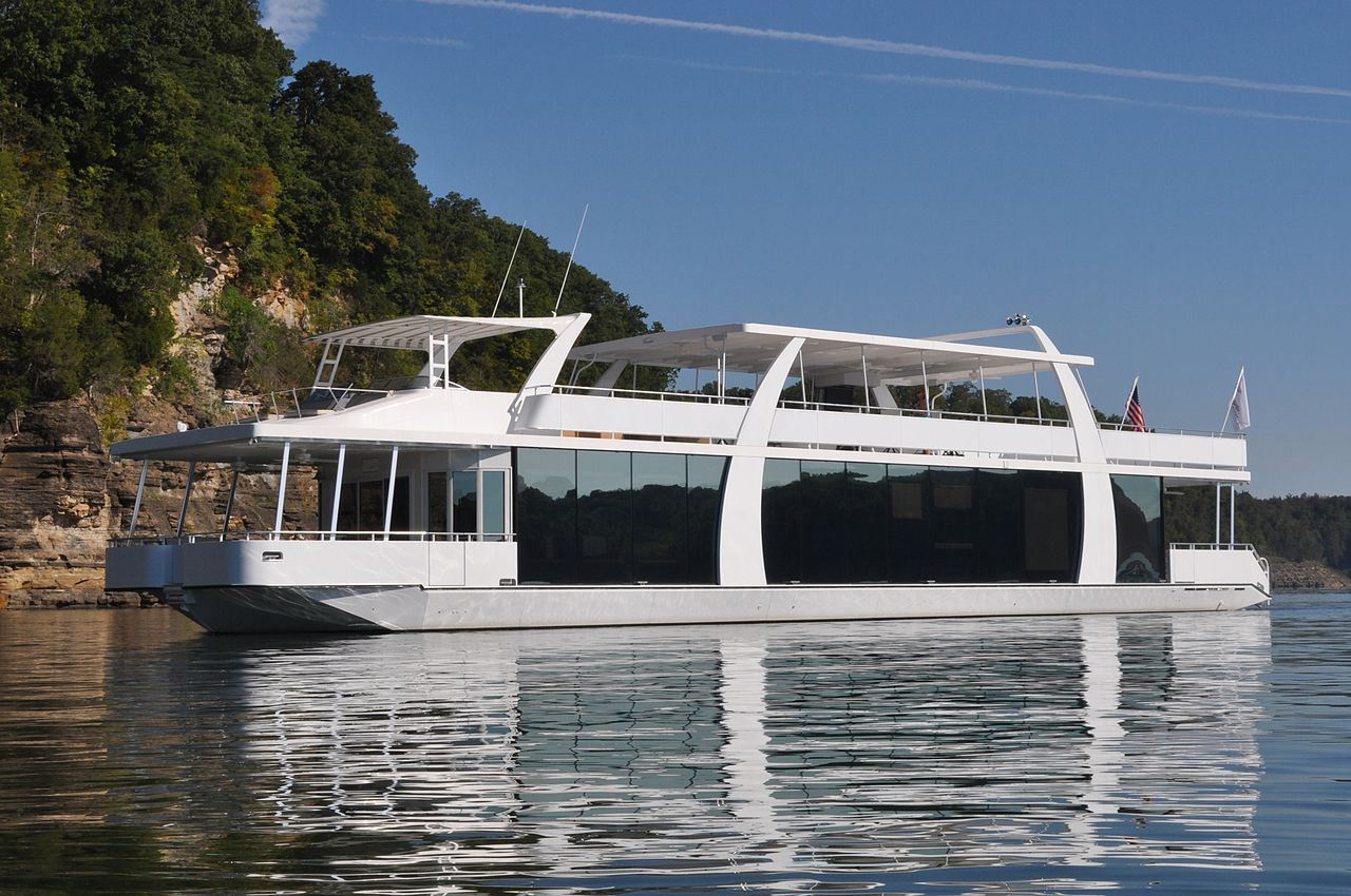 Having A Ball On Lake Cumberland Ky Houseboat Rentals