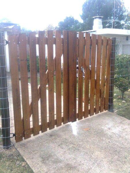 Porton portones y rejas en madera pinterest puertas for Rejas de madera