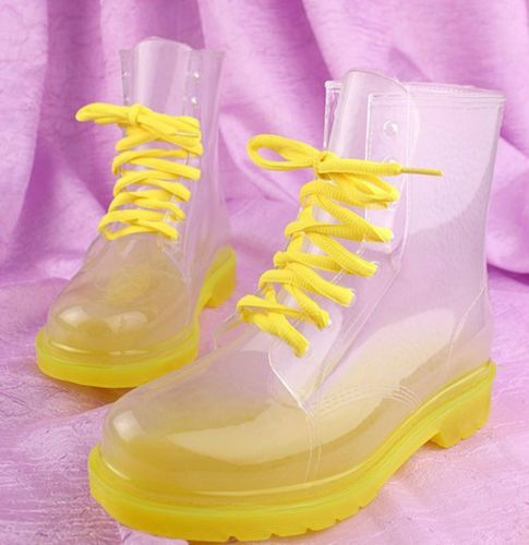 Womens Clear Rainboots- Kandii Rainboots. These boots are the cutest things ever! WANT!