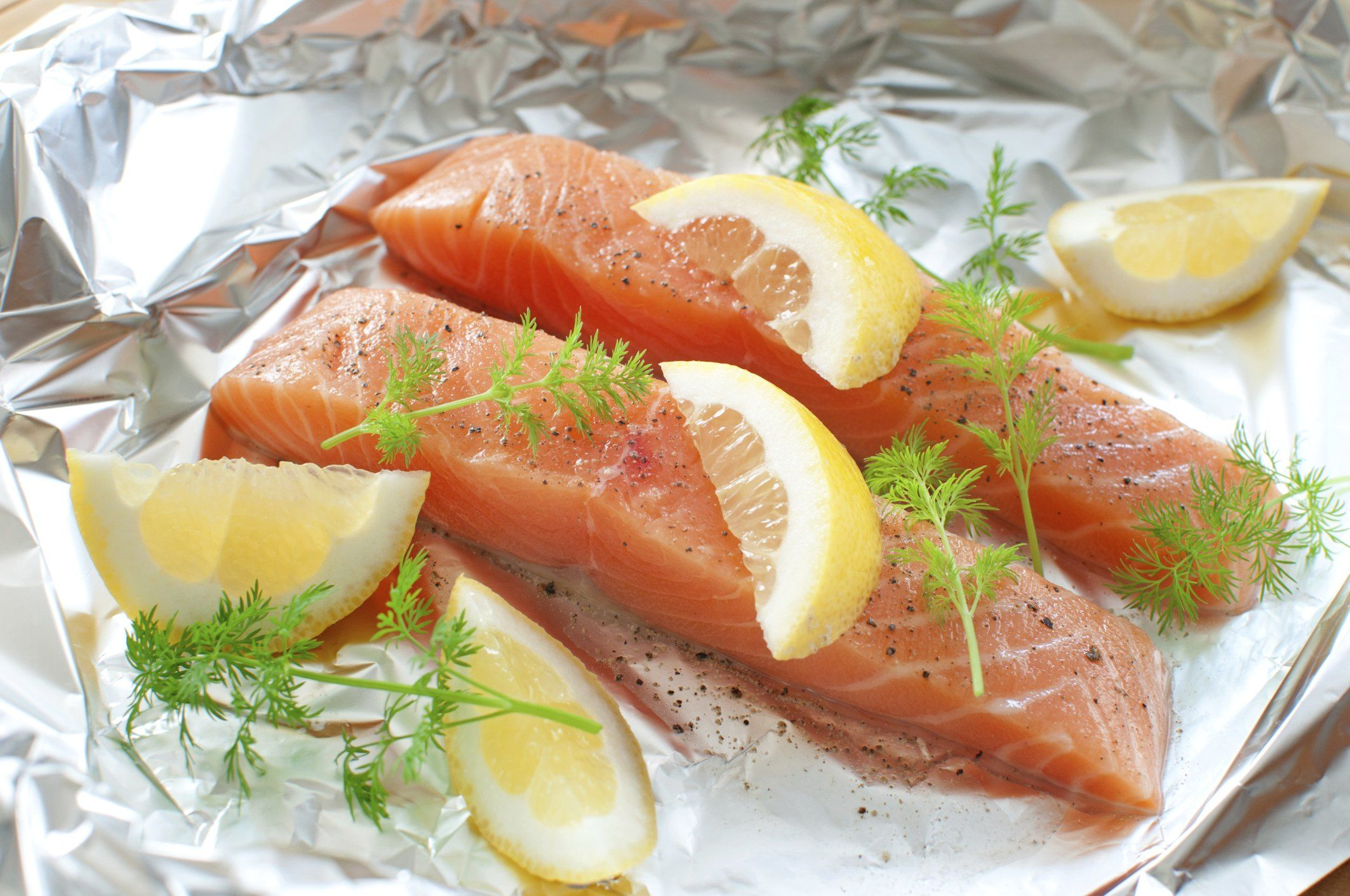 How to Bake Salmon in the Oven With Foil | Livestrong.com ...