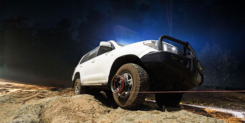 The Bush Winch It Can Always Help Your Car Get Out Of Difficult Situations Video Autos Wind Erkunden