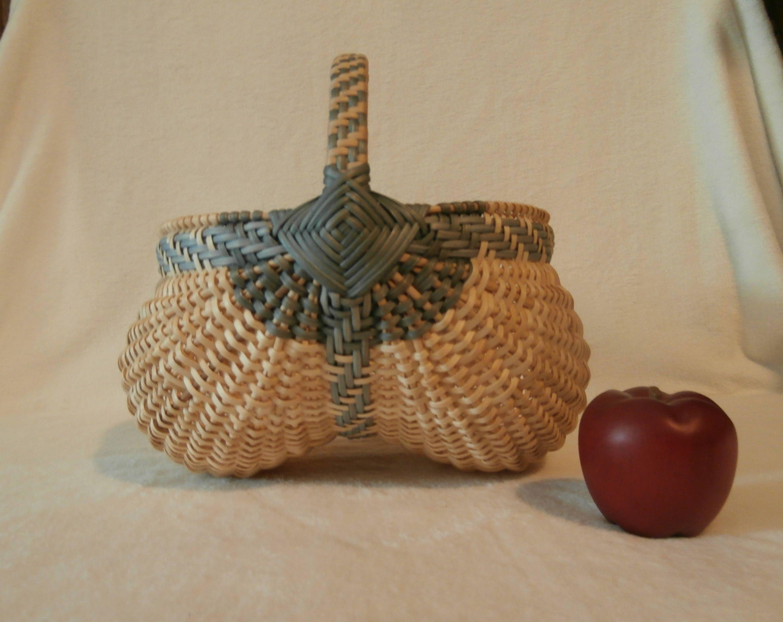 """Handwoven Basket: 10"""" Egg Basket by BasketsByMona on Etsy"""