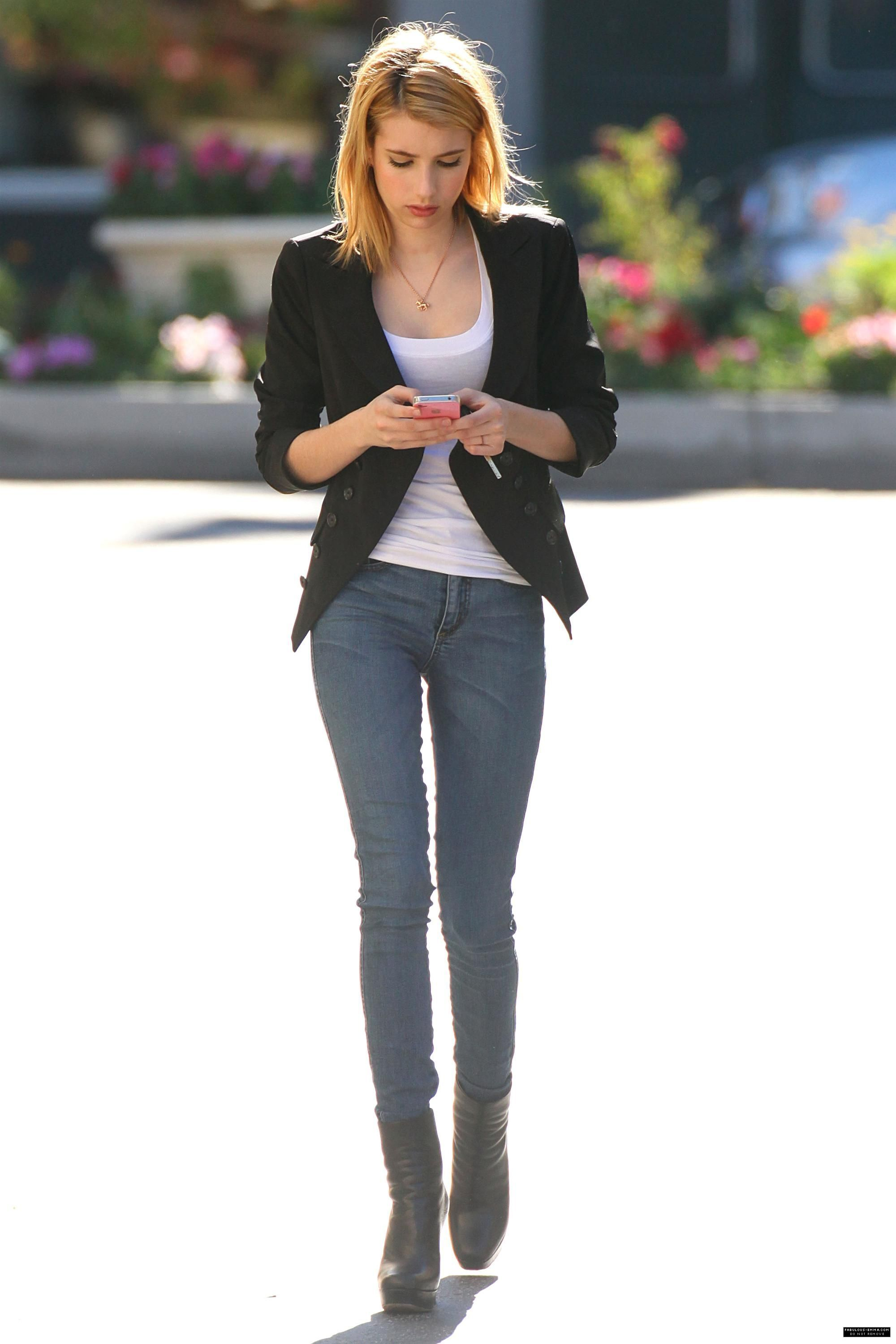 emma-roberts-urban-outfit-leaving-901-salon-west-hollywood