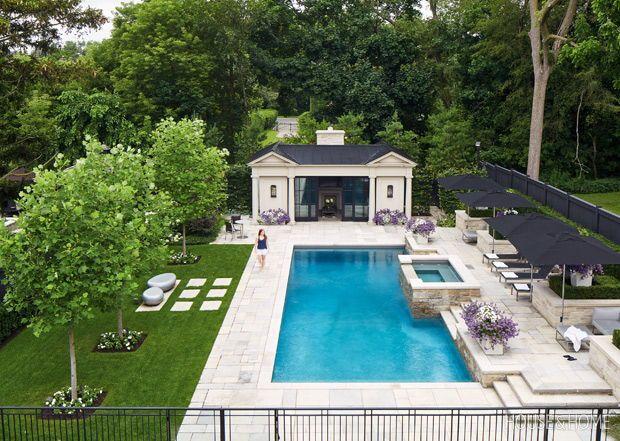 25+ Charming Secret Gardens Hiding In City Spaces #poolimgartenideen