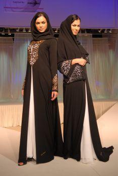 Runway Wanita Gaun Baju Muslim