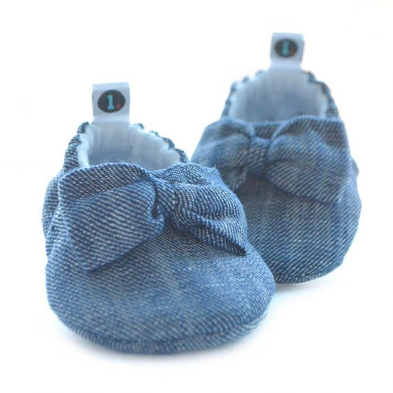 ed62172a8f817 Baby Shoes: Big Bow Theory // baby slippers, baby booties, baby booty, baby  moccs, baby gift, crib shoes, new baby, shower gift