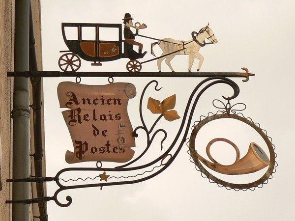 enseigne ancien relais de poste sign pinterest vieilles enseignes fer forg et vieux. Black Bedroom Furniture Sets. Home Design Ideas