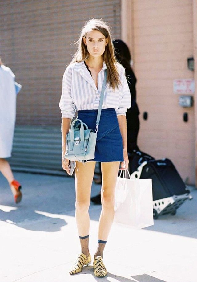 How to Wear a Denim Miniskirt Like an Adult | Casual weekend