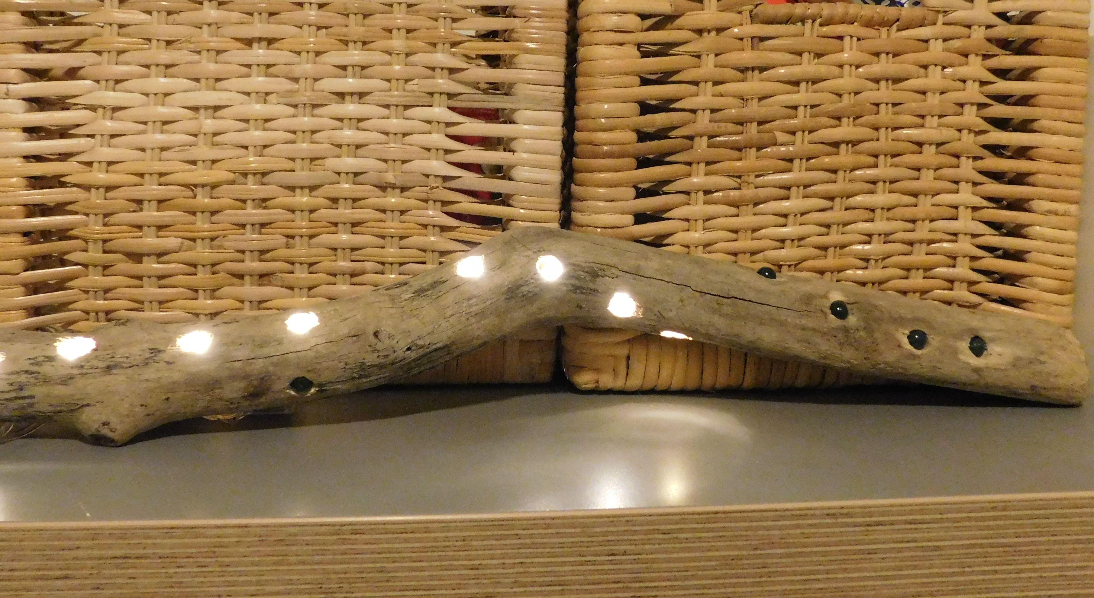 MOBILE LEUCHTE AUS TREIBOLZ DRIFTWOOD mit LED Leuchten und Batterie. Aufgepeppt mit Achat Perlen.