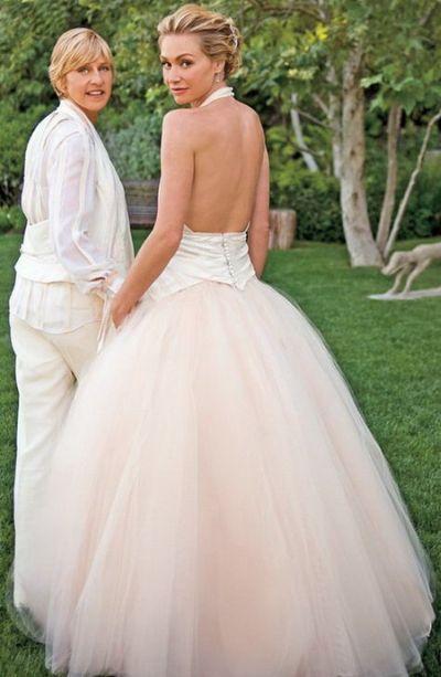 Portia De Rossi Ellen Degeneres Ellen And Portia Wedding Celebrity Bride Celebrity Wedding Dresses