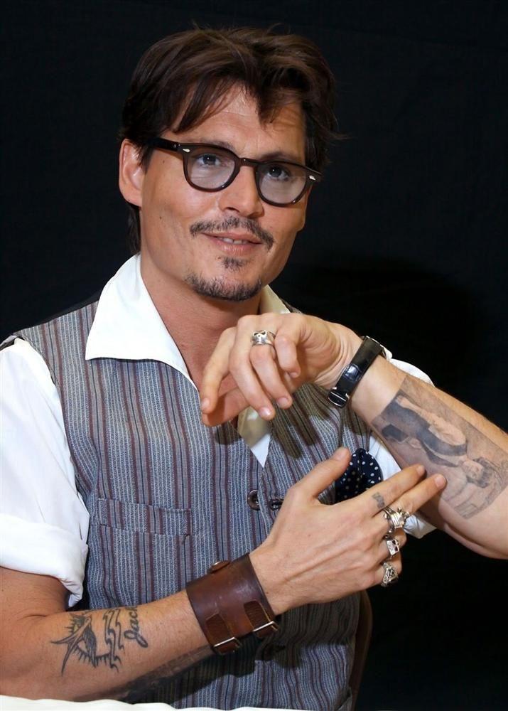83f1e5f1f266f Johnny Depp. Body Art   de pp in 2019   Johnny Depp, Johnny depp ...