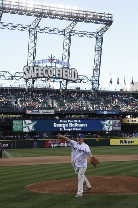 Throw out the first pitch at a #Mariners game. A great perk of bringing a large group to Safeco Field is that you can throw out a first pitch before the game. Call (206) 346-4001 to speak to a representative or click the photo for more information.