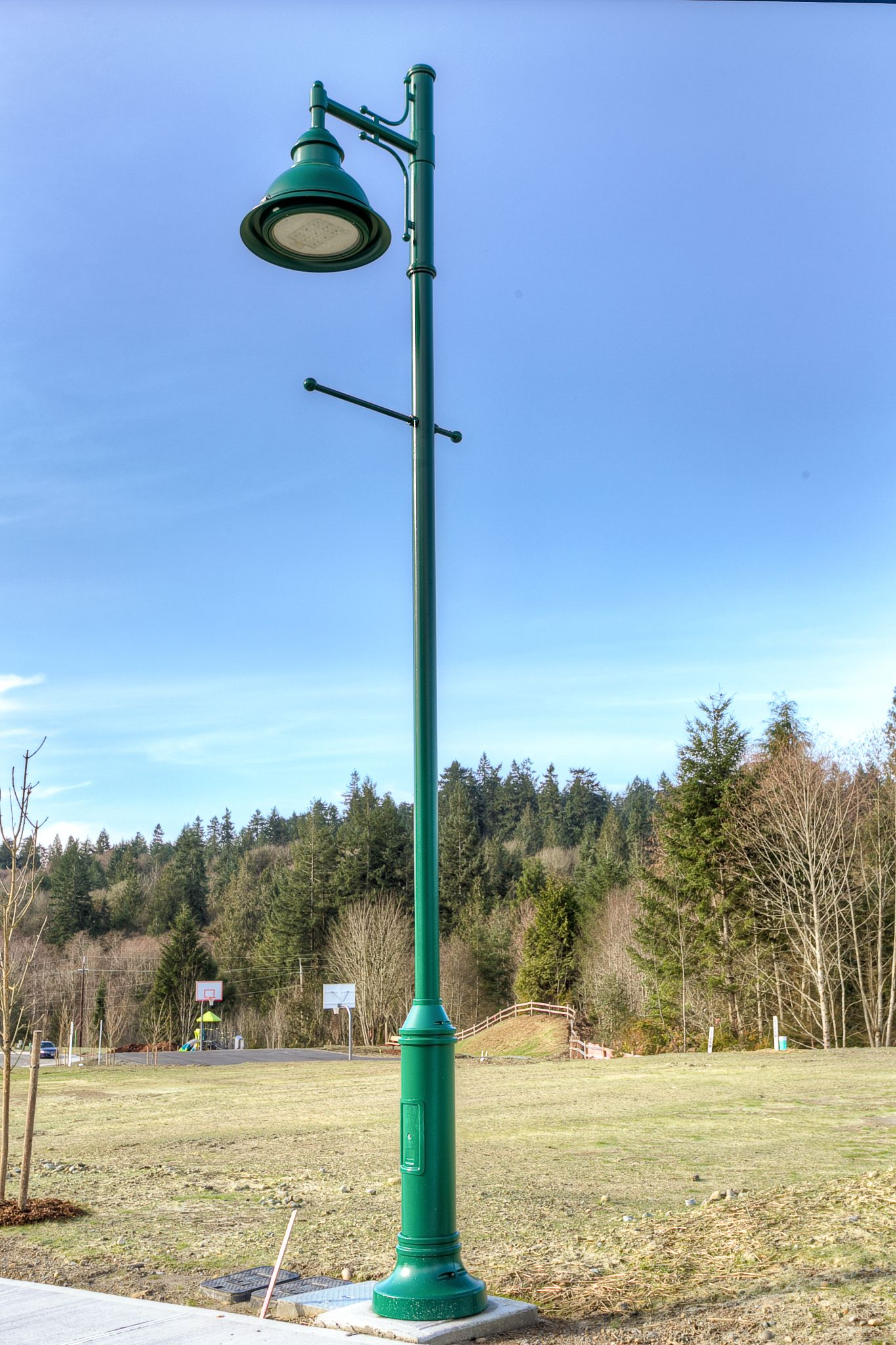 Old Fashioned Street Lights Add Charm To The Mccormick