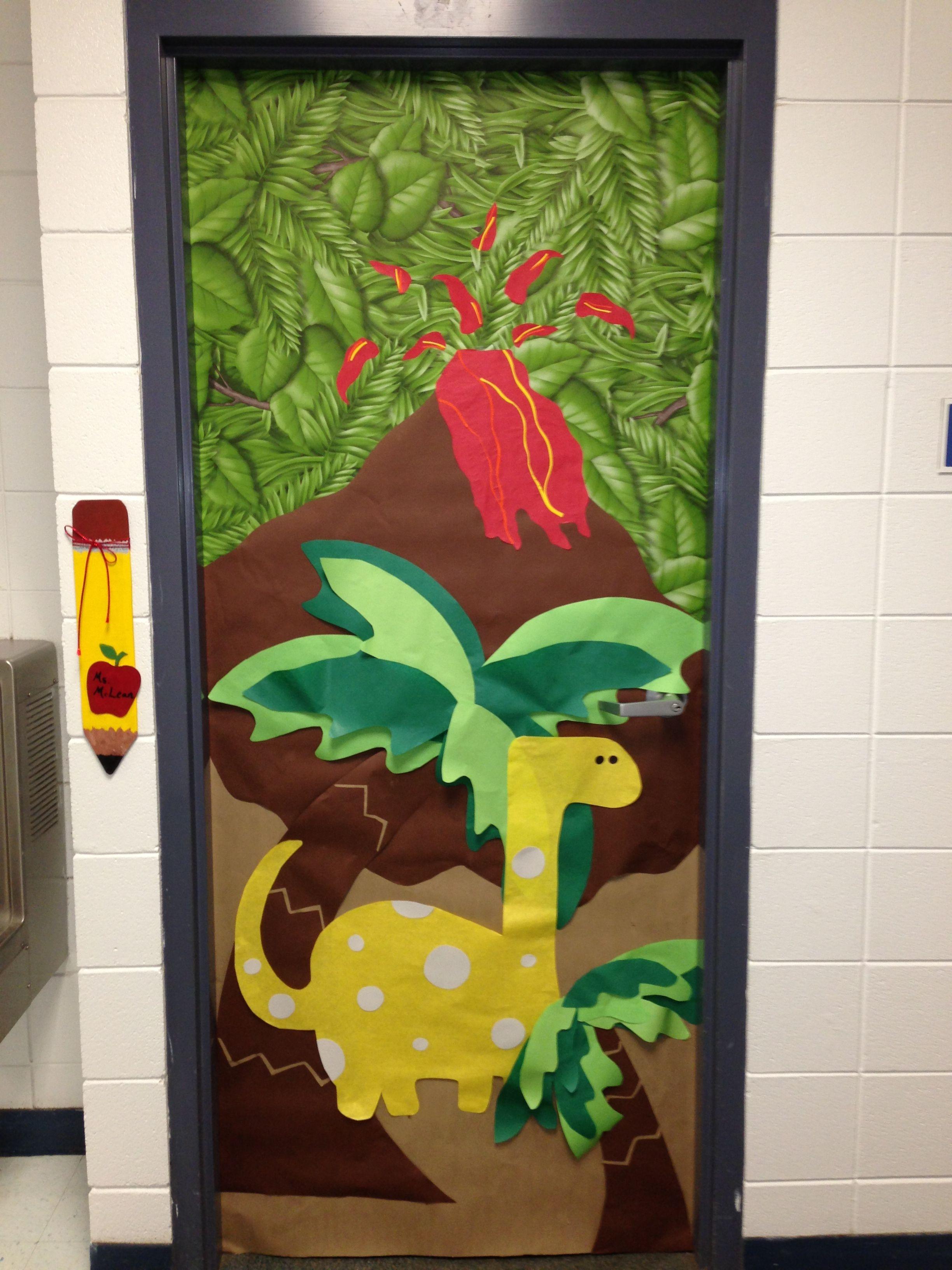 Dinosaur classroom door nailed it dinosaur classroom for Puertas decoradas con dinosaurios