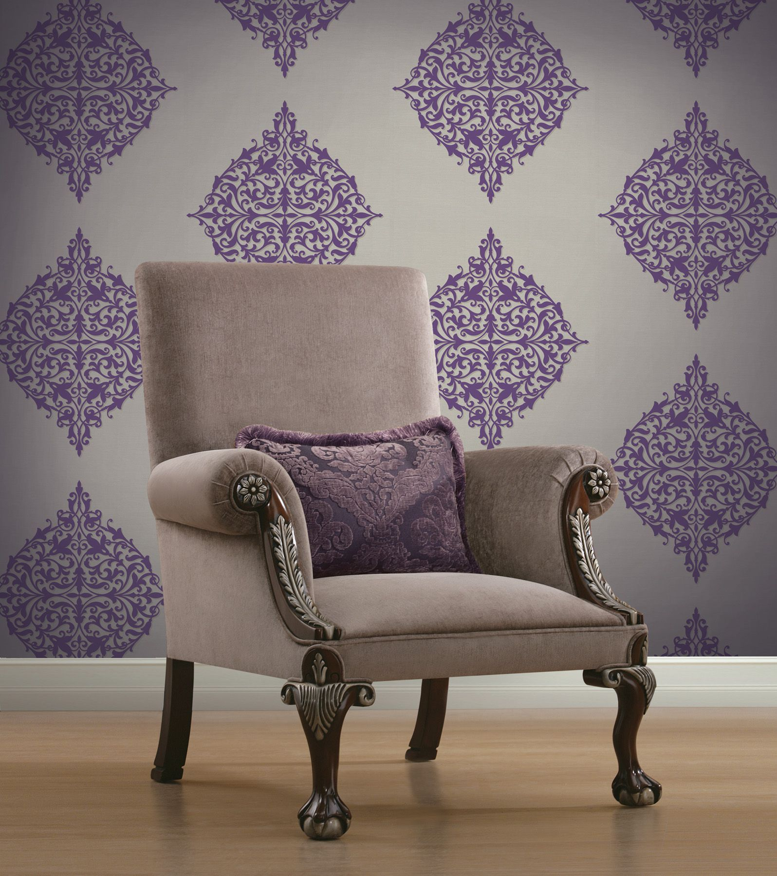 puple living room decor idea with a modern medallion