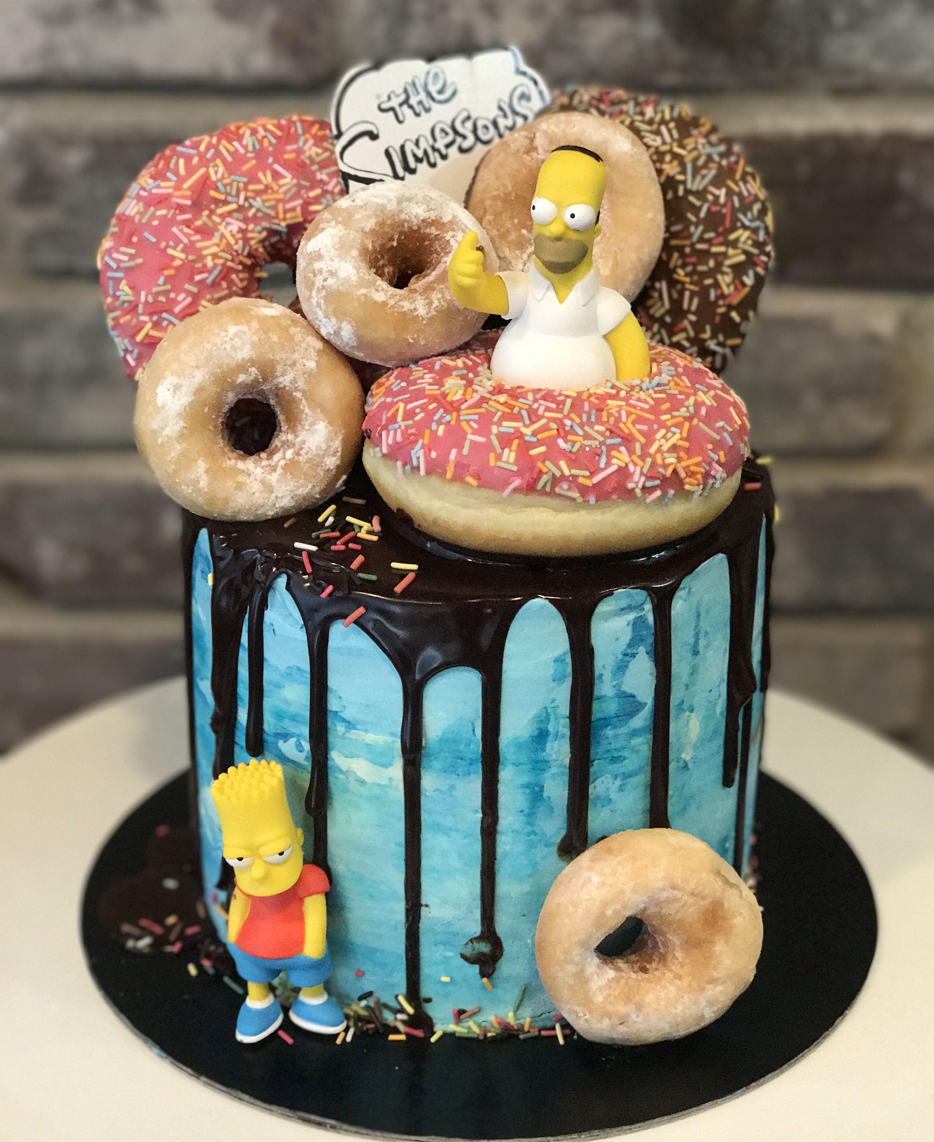 Simpsons donuts cake boy cakes en 2019 gateau - Simpson anniversaire ...
