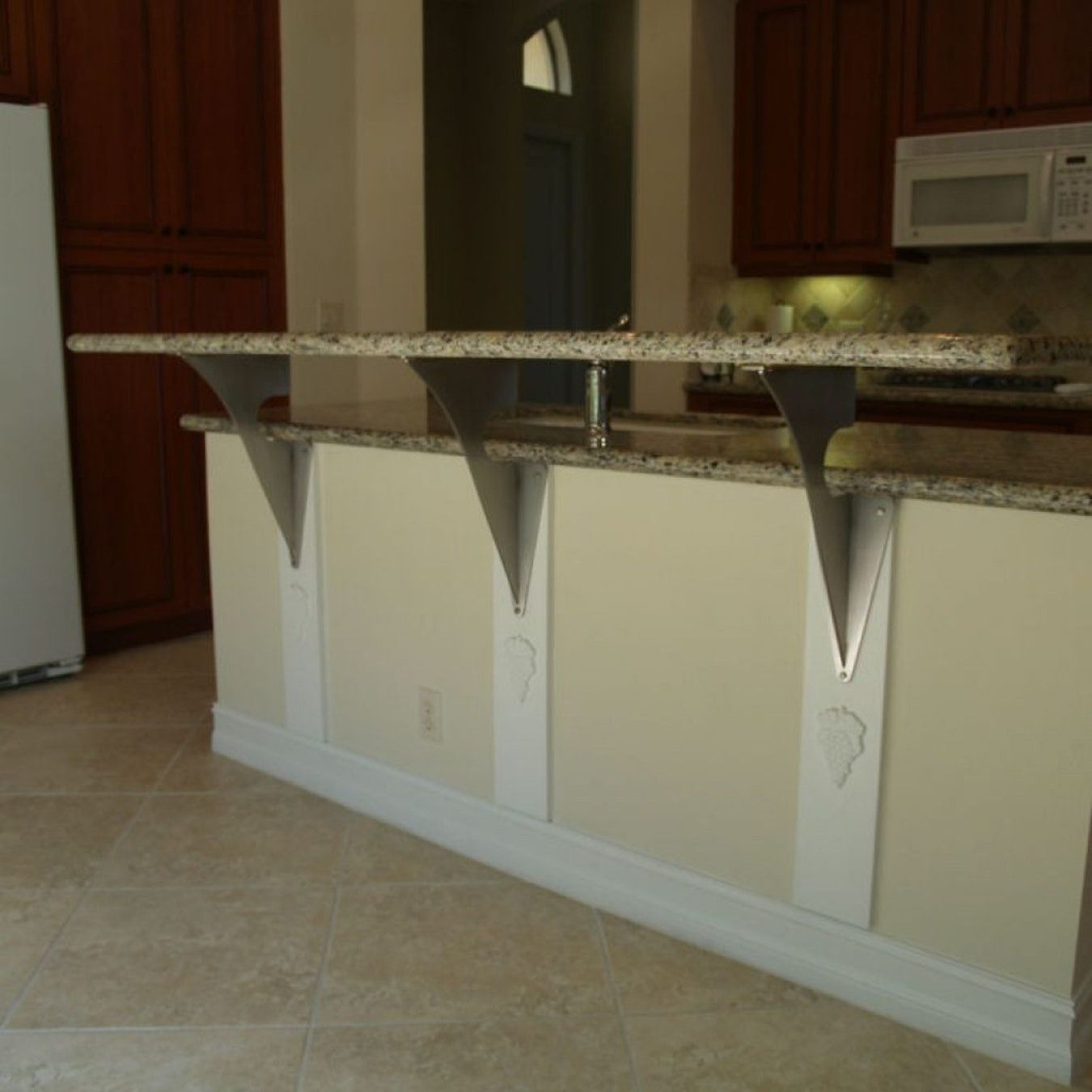 Image Result For How To Hold Up An Overhang On A Counter Countertop Support Brackets Countertop Support Kitchen Remodel Countertops