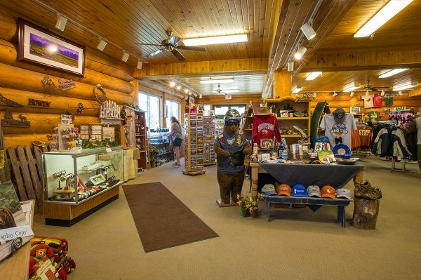 Headwaters Lodge at Flagg Ranch Gift Shop - Cabins in between ...