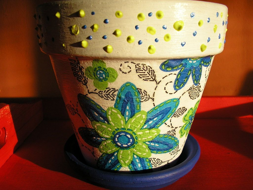Pin de sofi juarez en variedad de macetas pintadas for Utilisima jardineria