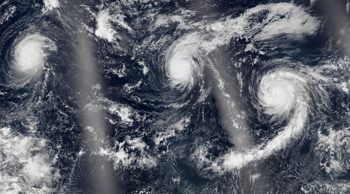 3 Pacific Cyclones A Hurricane Off Africa What S Going On Science Photos Hurricane Ocean Science