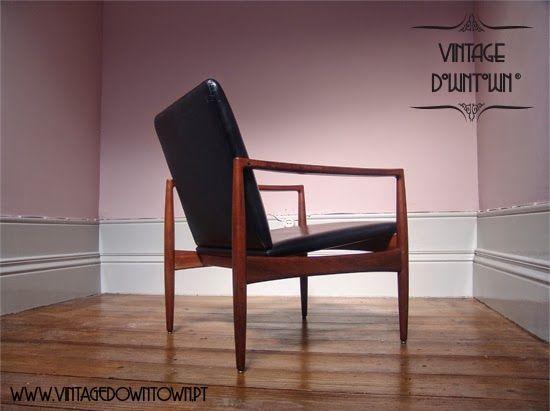 Boa tarde!  A Vintage Downtown ® apresenta a icónica cadeira de braços produzida pela Olaio, em Portugal.  A estrutura é em madeira...