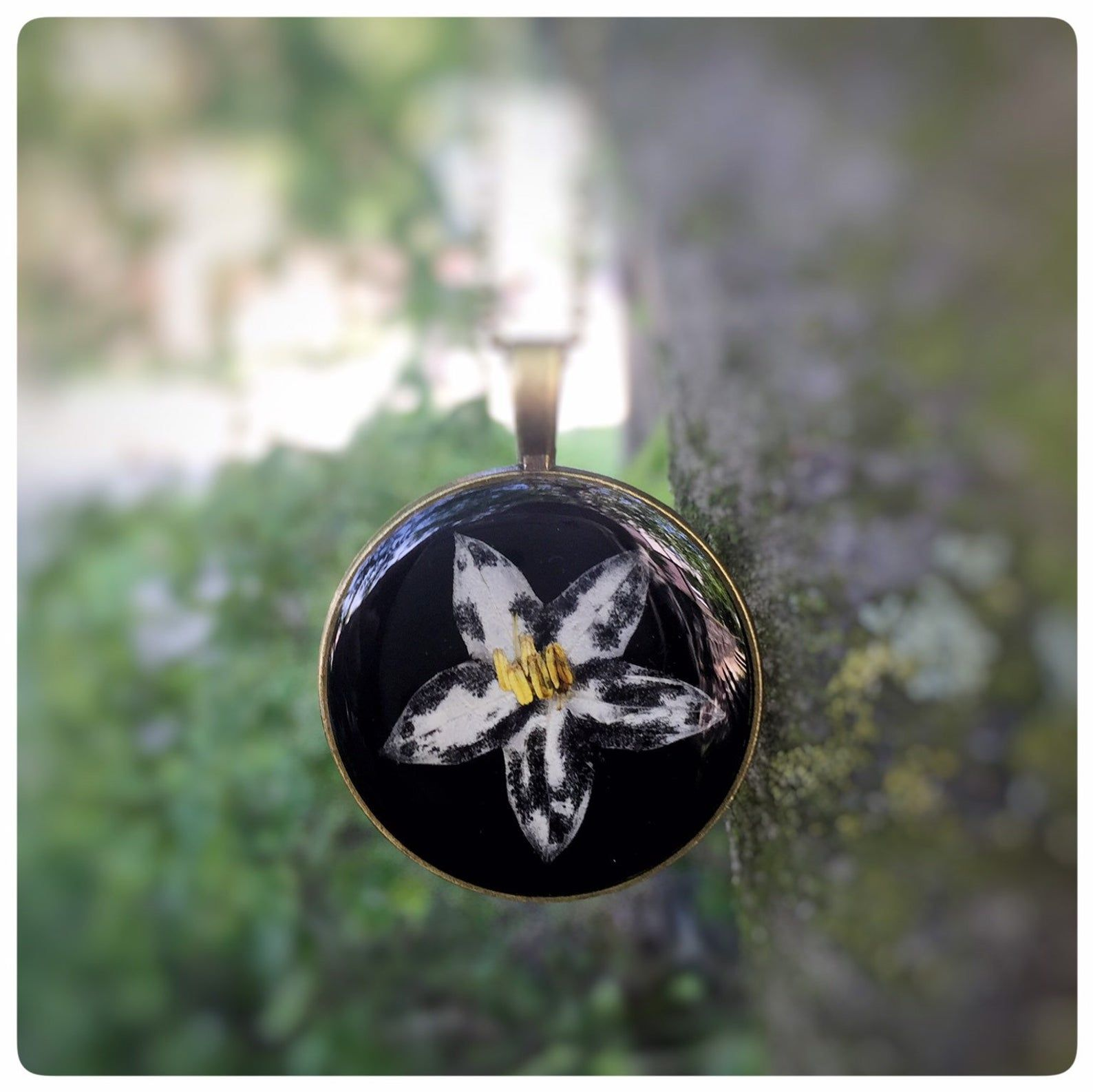 Pin auf Schmuck mit echten Blüten