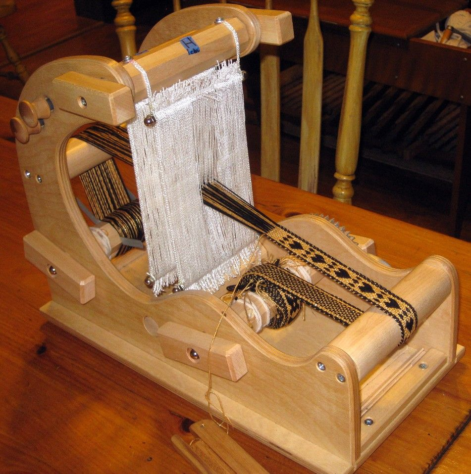 how to build a tablet weaving loom