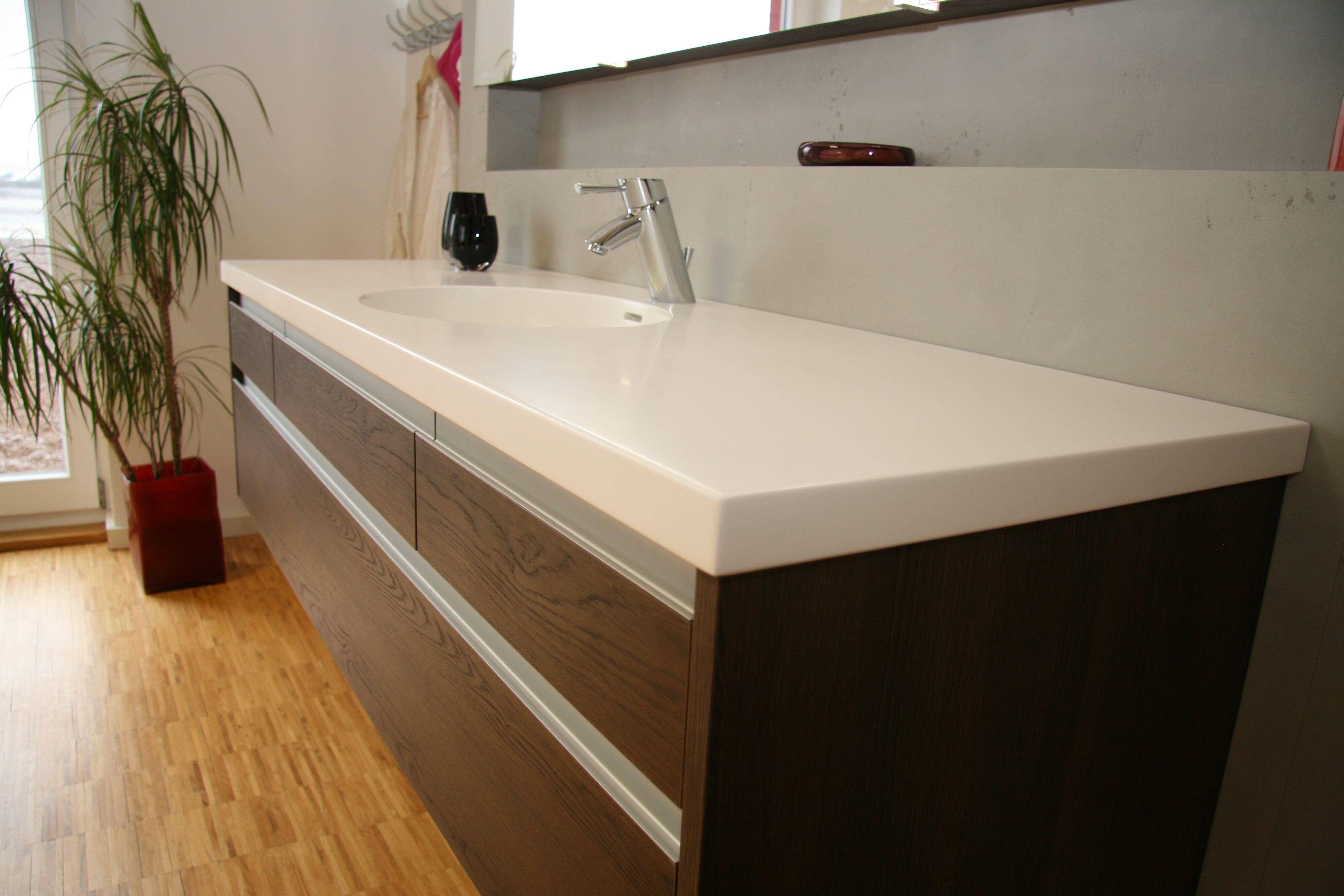 Wir Fertigen Fur Sie Ihre Individuellen Badezimmer Mobel Hier Waschtisch Mit Rundem Becken Und Unterschrank Badezimmer Unterschrank Unterschrank Badezimmer
