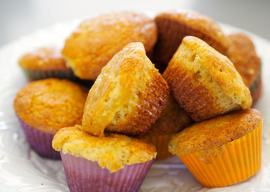 Mehevät muffinssit hunajalla.