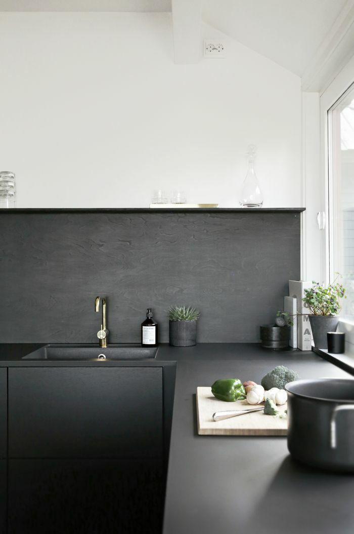 trends küchen aktuell küchenarbeitsplatte in schwarz freshideen.com ...