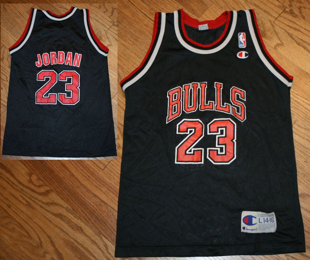 newest 0f729 9b41e Vintage Chicago Bulls Michael Jordan #23 Champion Basketball ...