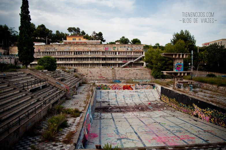 Piscina ol mpica abandonada abandonad s pinterest for Trampolines para piscinas