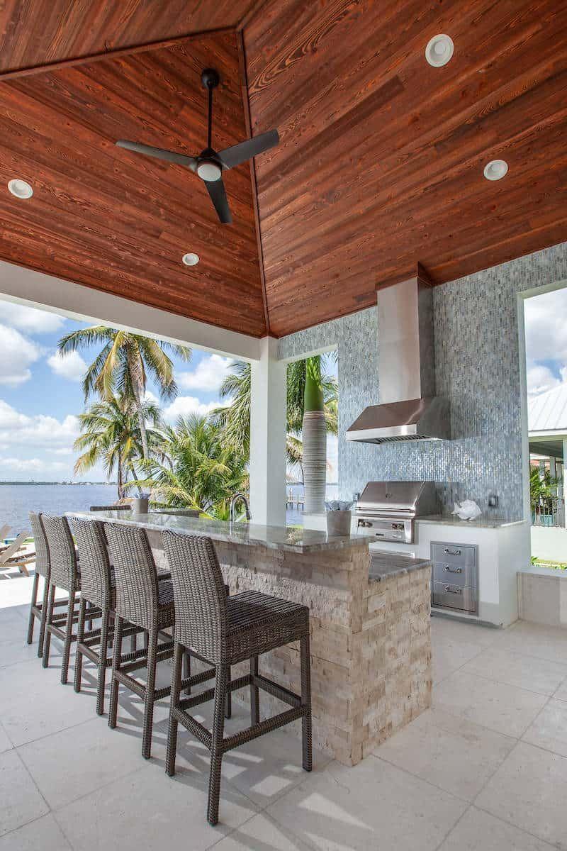 Top 32 Best Outdoor Kitchen Ideas And Designs Outdoor Kitchen Outdoor Kitchen Plans Farmhouse Style Kitchen