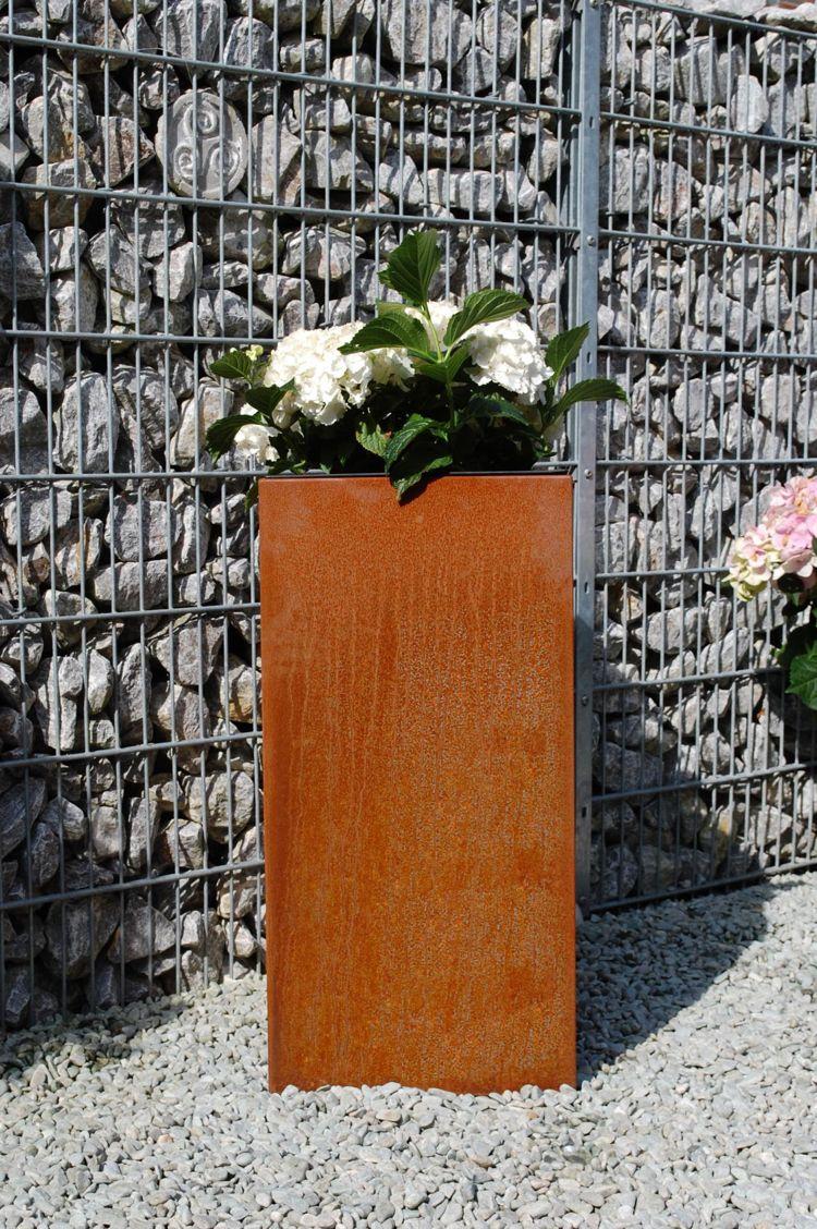 Gartengestaltung Mit Pflanzkubeln So Bleibt Der Garten Schon Und